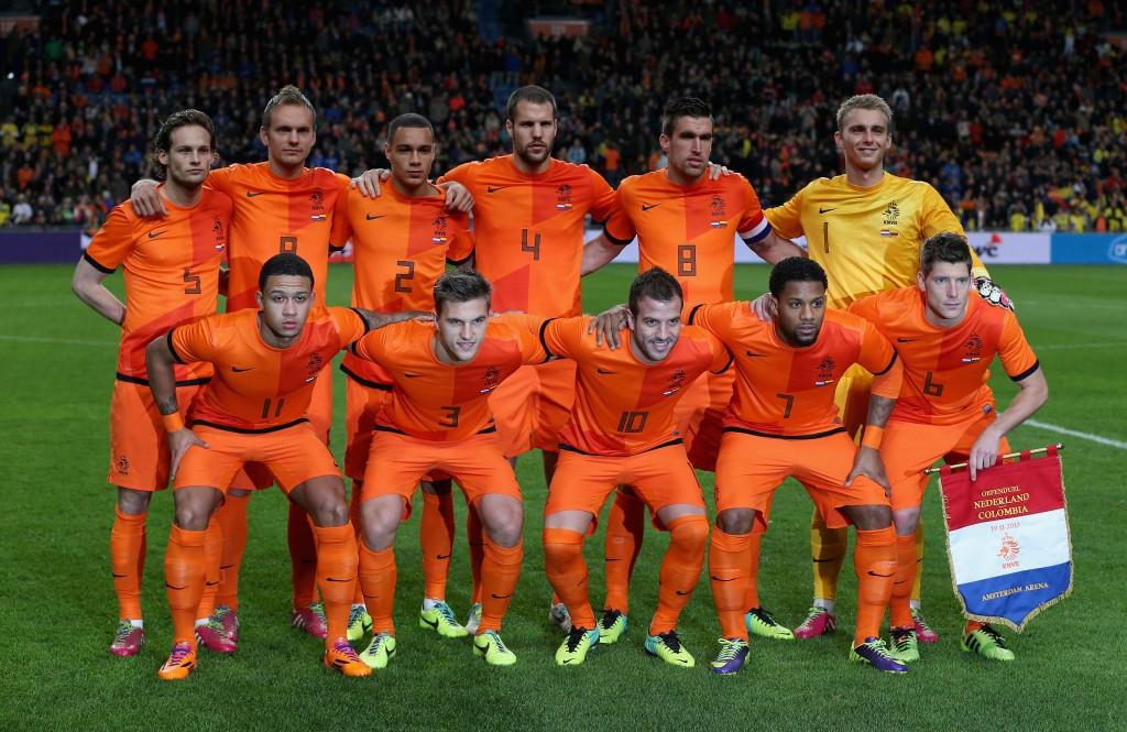 Hollanti ystävyysottelussa Kolumbiaa vastaan marraskuussa 2013
