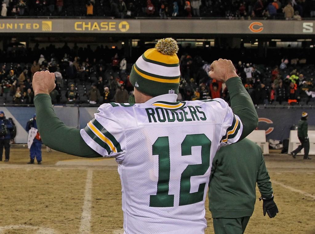 Aaron Rodgers tuulettaa voittajan elkein (Getty Images)