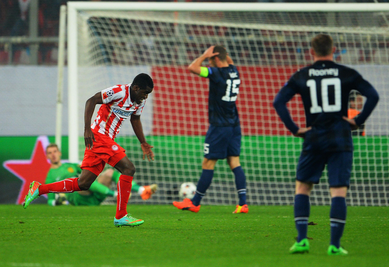 Arsenalista lainalla oleva Campbell teki Olympiakosille tärkeän 2-0 osuman (Getty)