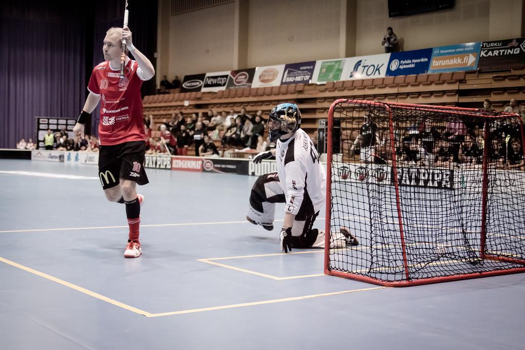 Tuulettaako Happeen kapteeni Petri Kauko Suomen mestaruutta sunnuntaina? Kuva: Anssi Koskinen