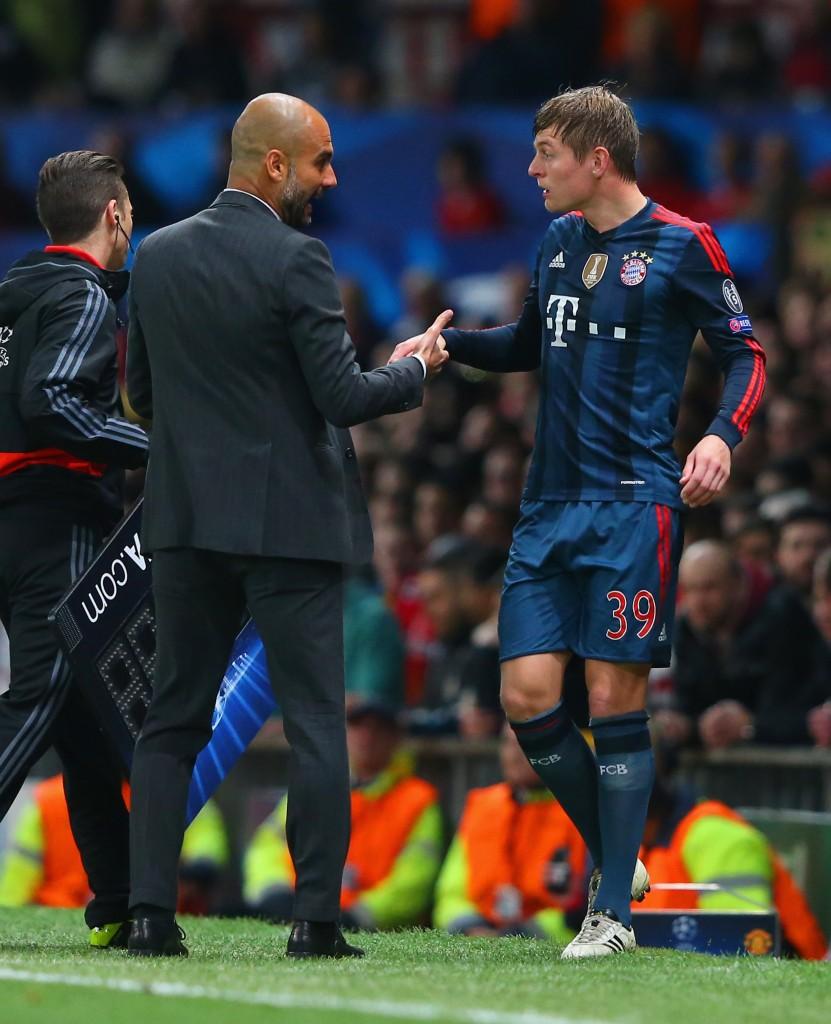 Bayernin Toni Kroos on spekuloitu siirtyvän ensi kaudeksi ManUn paitaan (Getty)