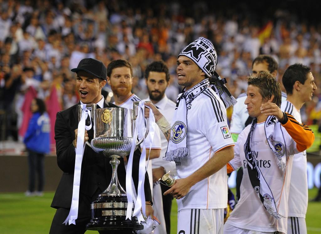 Cristiano Ronaldo juhli Copa del Reyn voittoa siviileissä, mutta nyt mies nähdään myös kentällä (Getty)