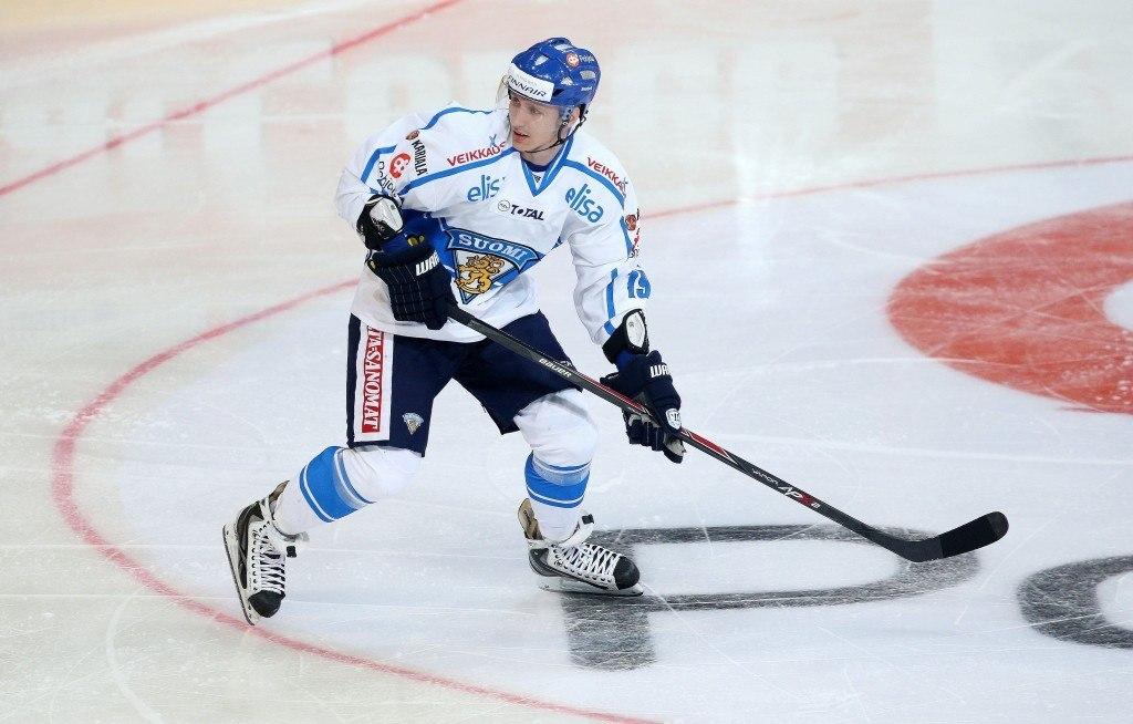 Veli-Matti Savinainen istahti haastattelupenkkiimme MM-kisojen alla (Alloverpress)