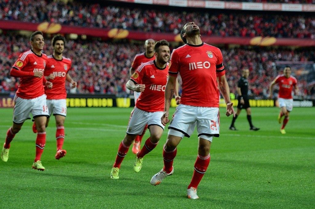 Real Madridista Coentrao-vaihtokaupassa saapunut Ezeguiel Garay on pelanut Benficassa hyvän kauden topparipari Luisaon kanssa (Getty)