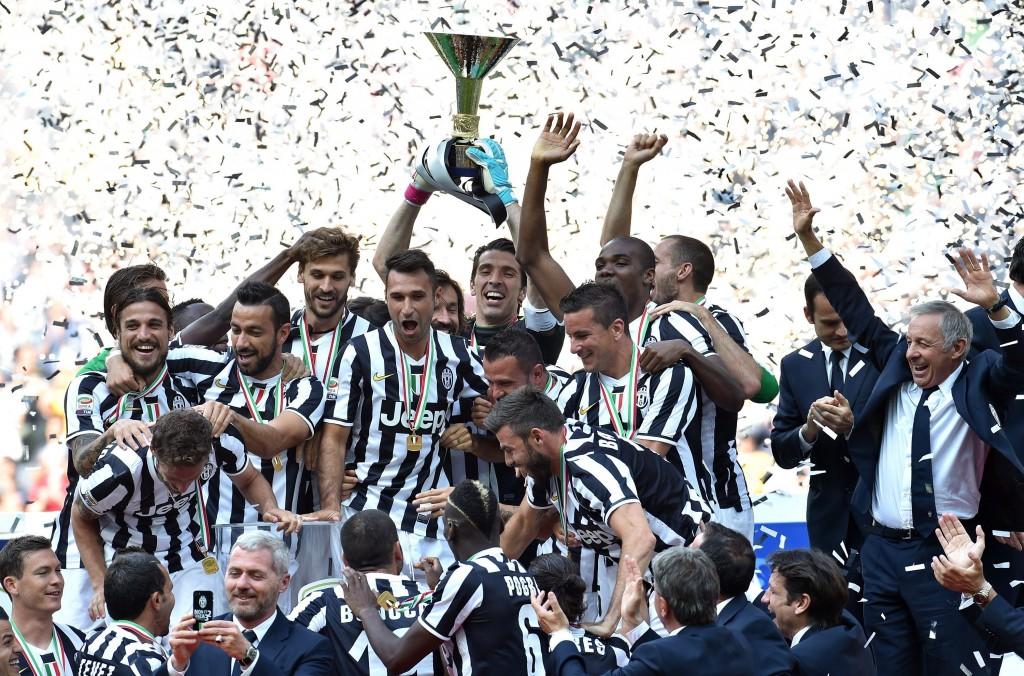 Torinon ylpeys Juventus juhlii kolmatta perättäistä mestaruuttaan. (Getty)