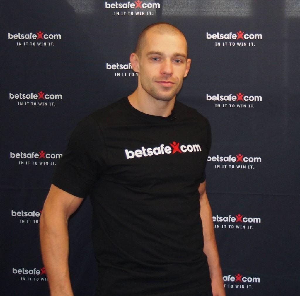 Anton sai varmasti myös t-paitoja loppu-uransa ajaksi (Betsafe)