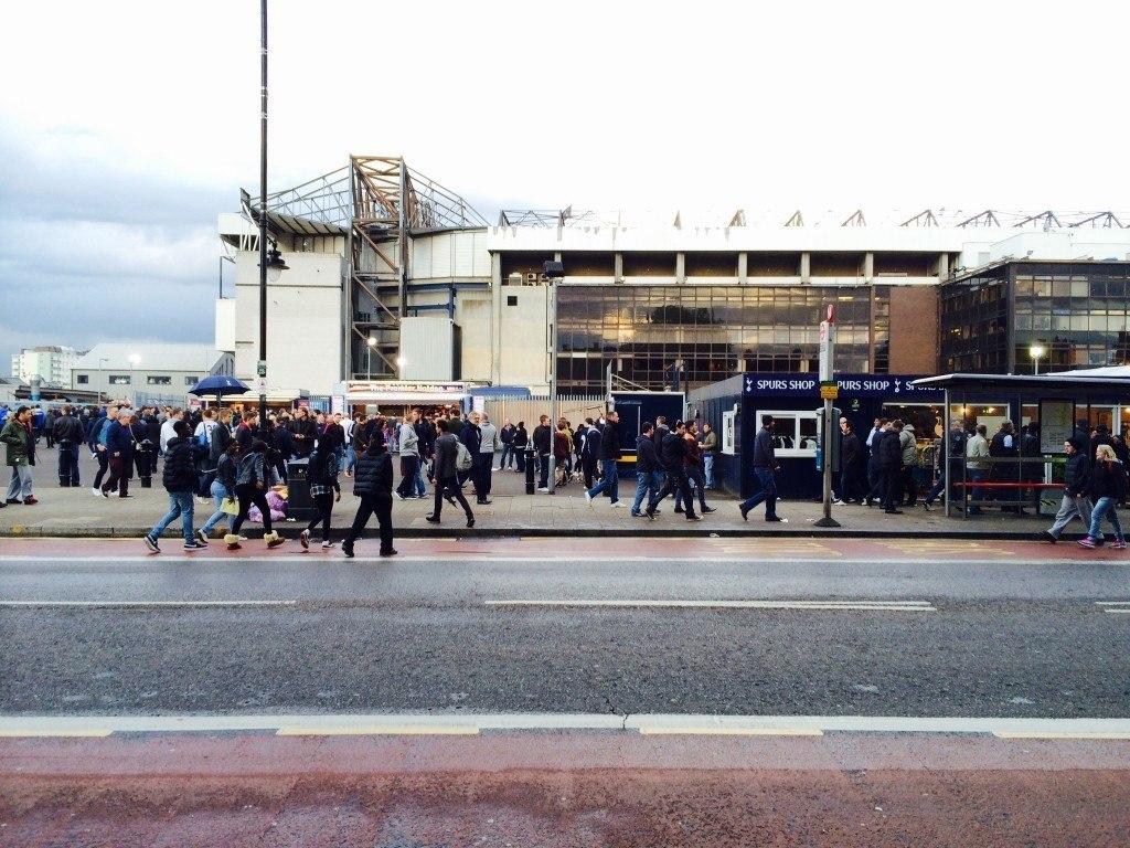 "White Hart Lanella asustaa ""friendly club"" Tottenham Hotspur"