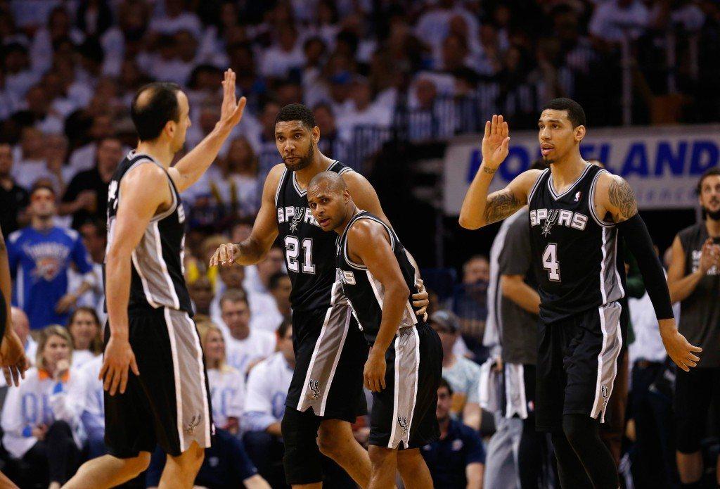 Femmat lenteli kun Spurs jatkoi matkaansa kohti finaaleja (Getty)