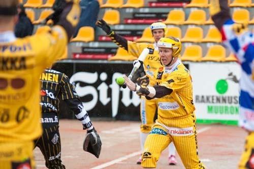 Juha Korhonen tulee voittamaan runkosarjan kärkilyöntitilaston. Kuva: Juha Levonen