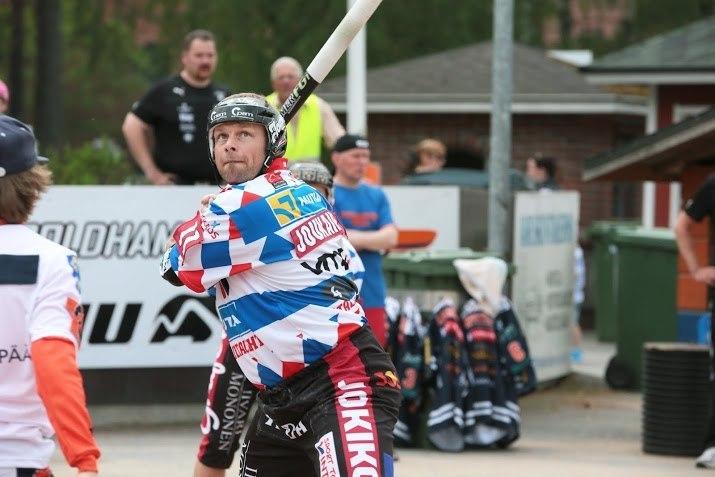 Kokenut Sami Joukainen iski kolme juoksua avausottelussa. (Juha Levonen)