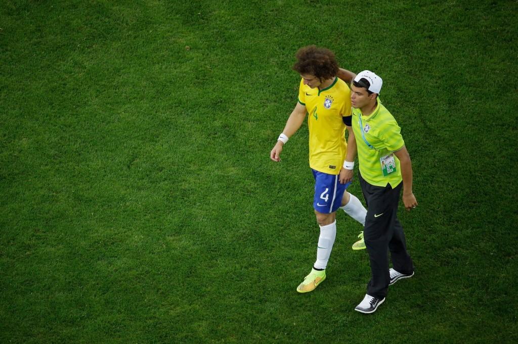 Thiago Silvan pelikielto realisoitu karmivalla tavalla välieräottelussa. (Getty)