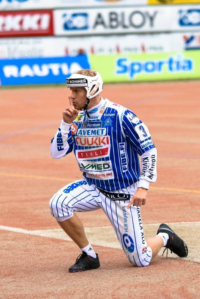 Henri Puputti hiljensi joensuulaisyleisön perjantaina. Kuva: Jukka Rasimus