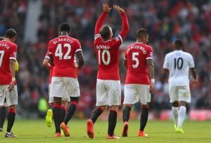Wayne Rooney on sopeutunut hyvin uudelle pelipaikalle keskikentälle. (Getty)