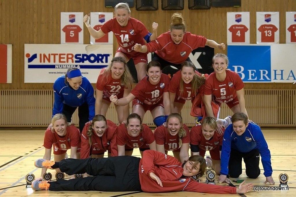 Käsipallon naisten Suomen cup-mestarit 2013: HIFK. Kuva: Touchdown.fi