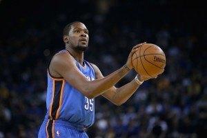 Loukkaantumisista kärsinyt Kevin Durant on liigan puolustava MVP. (Getty)