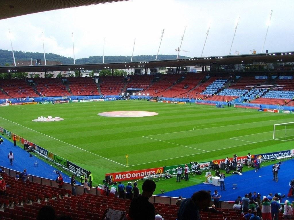 Grasshoppers ja FC Zürich pelaavat molemmat kotiottelunsa Letzigrund stadionilla. KUVA: flickr / trevi55