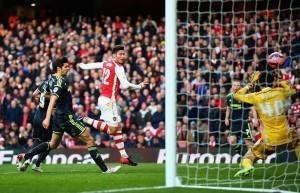 Arsenalin Oliver Giroud on pöllyttänyt seitsemästi vastustajan verkkoa tämän kauden Valioliigassa. Kuva: Getty