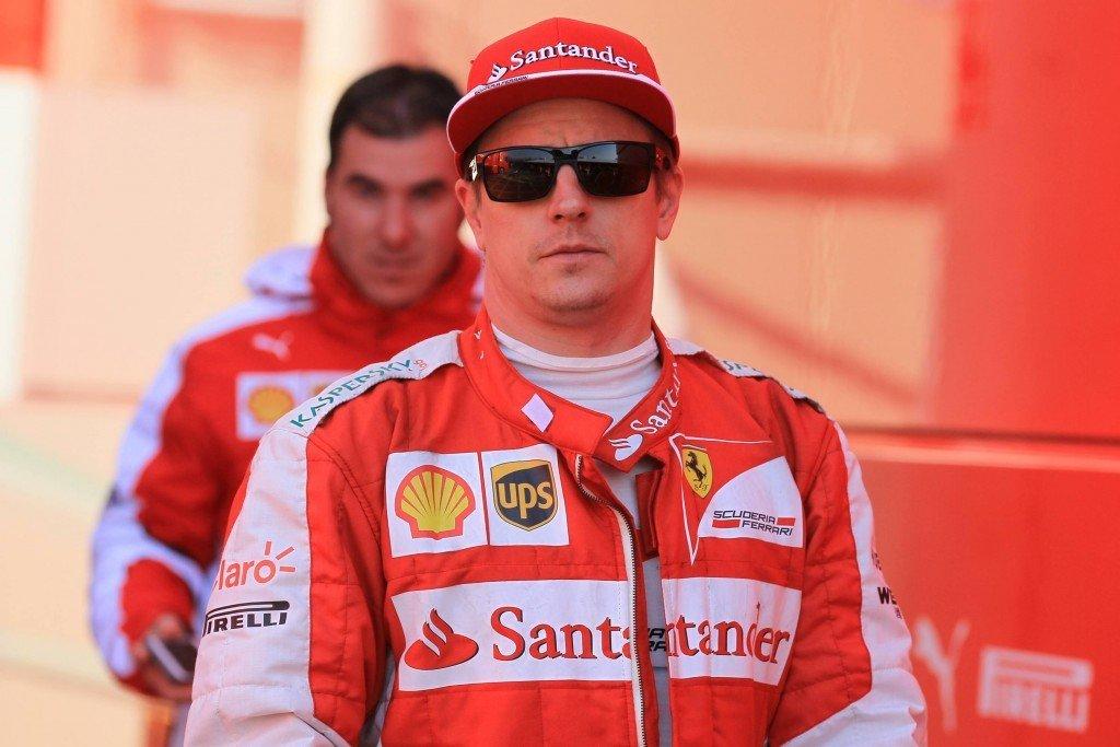 Kimi Räikkönen on tyytyväinen autoonsa. (AOP)