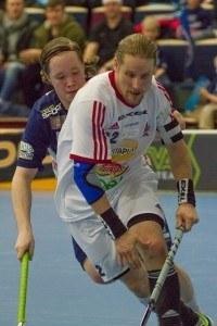 SSV:n kapteeni Mikael Järvi on iskenyt Salibandyliigassa vähän vajaa 1000 pistettä, kun mukaan lasketaan runkosarja ja pudotuspelit. Kuva: Salibandyliiga