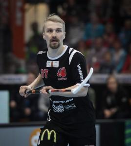 Sveitsissä pelaava asiantuntijamme Janne Kainulainen arvioi Mika Kohosen paluuta (Salibandyliiga)
