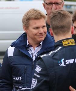 Mika Salo tyytyväinen ensimmäiseen F4-viikonloppuun. (Kuva Hannu Kumpulainen, Sportin Maailma)