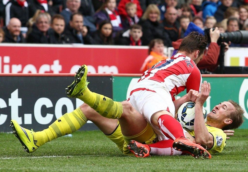 Stoke olis niskan päällä joukkueiden viime kauden kohtaamisissa. Kuva: AOP