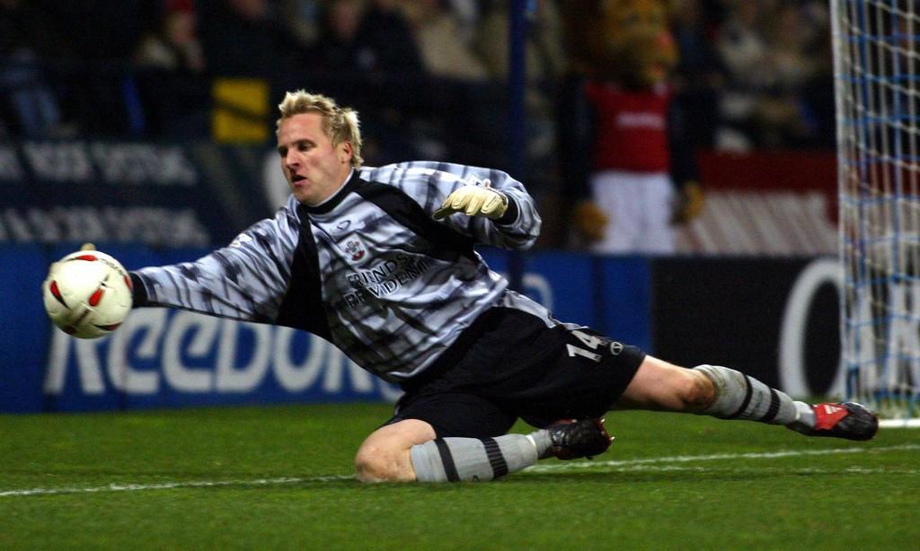 Antti Niemi kuului pelipaikkansa eliittiin Southamptonissa. Kuva: AOP