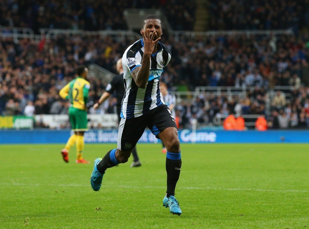 NEWCASTLE UPON TYNE, ENGLAND - OCTOBER 18: Georginio Wijnaldum of Newcastle United celebrates as he scores their sixth goal and his fourth during the Barclays Premier League match between Newcastle United and Norwich City at St James' Park on October 18, 2015 in Newcastle upon Tyne, England. (Photo by Alex Livesey/Getty Images)