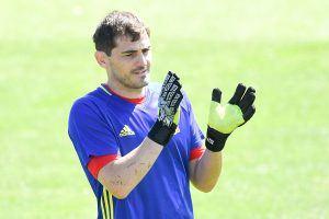 Iker Casillas on joutunut tyytymään kakkosmaalivahdin rooliin.