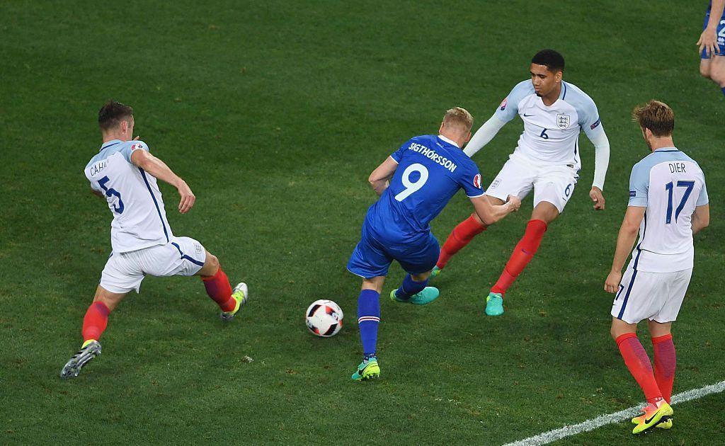 Kolbeinn Sigthorsson viimeisteli Islannin voittomaalin Englantia vastaan. Kuva: Getty