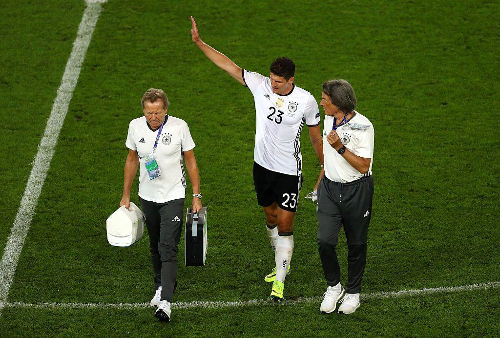 Mario Gomez on kahdella maalillaan Saksan paras maalintekijä. Hyökkääjän turnaus päättyi puolivälierän toisella puoliajalla loukkaantumiseen. Kuva: Getty