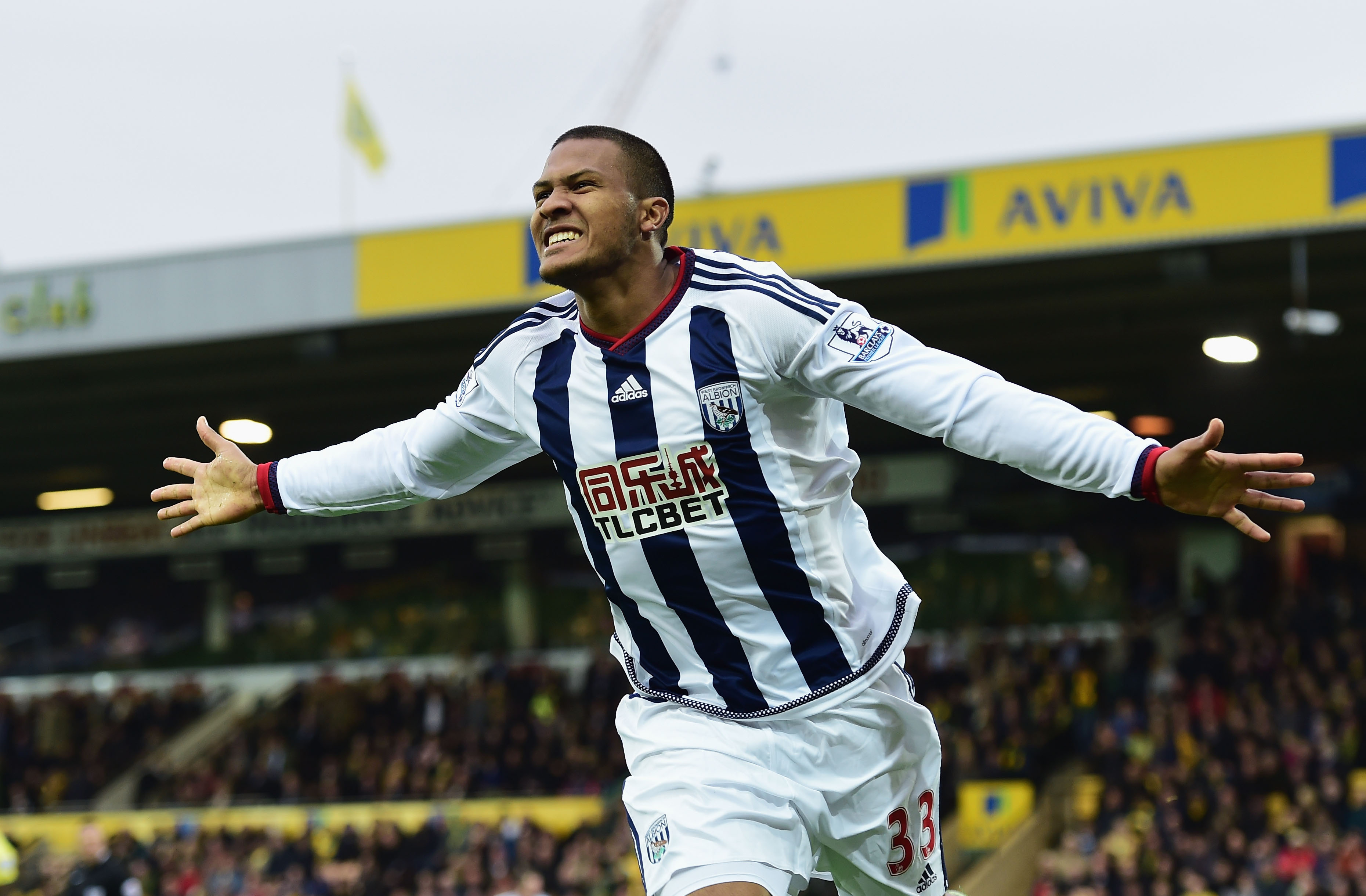 NORWICH, ENGLAND - OCTOBER 24: Salomon Rondon of West Bromwich Albion celebrates scoring his team's first goal during the Barclays Premier League match between Norwich City and West Bromwich Albion at Carrow Road on October 24, 2015 in Norwich, England. (Photo by Alex Broadway/Getty Images)