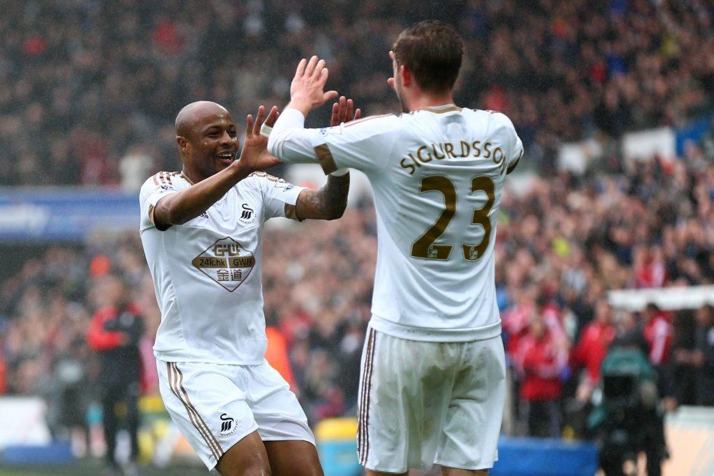 Swansean viime kauden hyökkäyksen sielut, Ayew ja Sigurdsson. Heistä on enään toinen jäljellä. Kuva: Getty