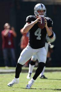 Raidersin Derek Carr on ollut oivalla pelipäällä. (Getty)