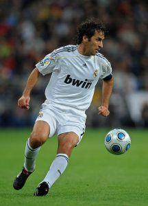 Real-ikoni Raul oli yksi sukupolvensa tyylikkäimmistä futaajista. Kuva: Getty